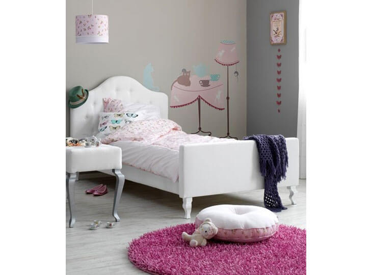 Coming kids bed Yara
