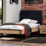 Irony bed met recht hoofdbord