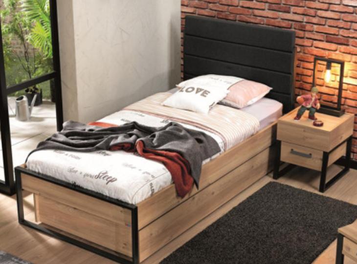 Irony bed met opberglade
