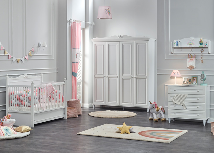 Lora Babykamer met 4-deurkast